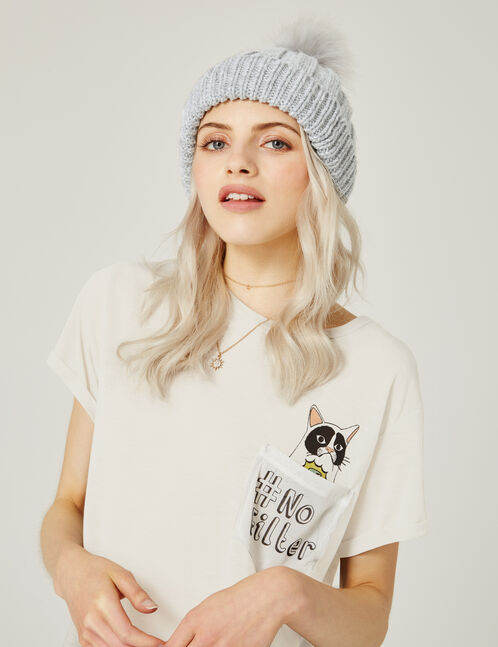 bonnet avec pompon gris