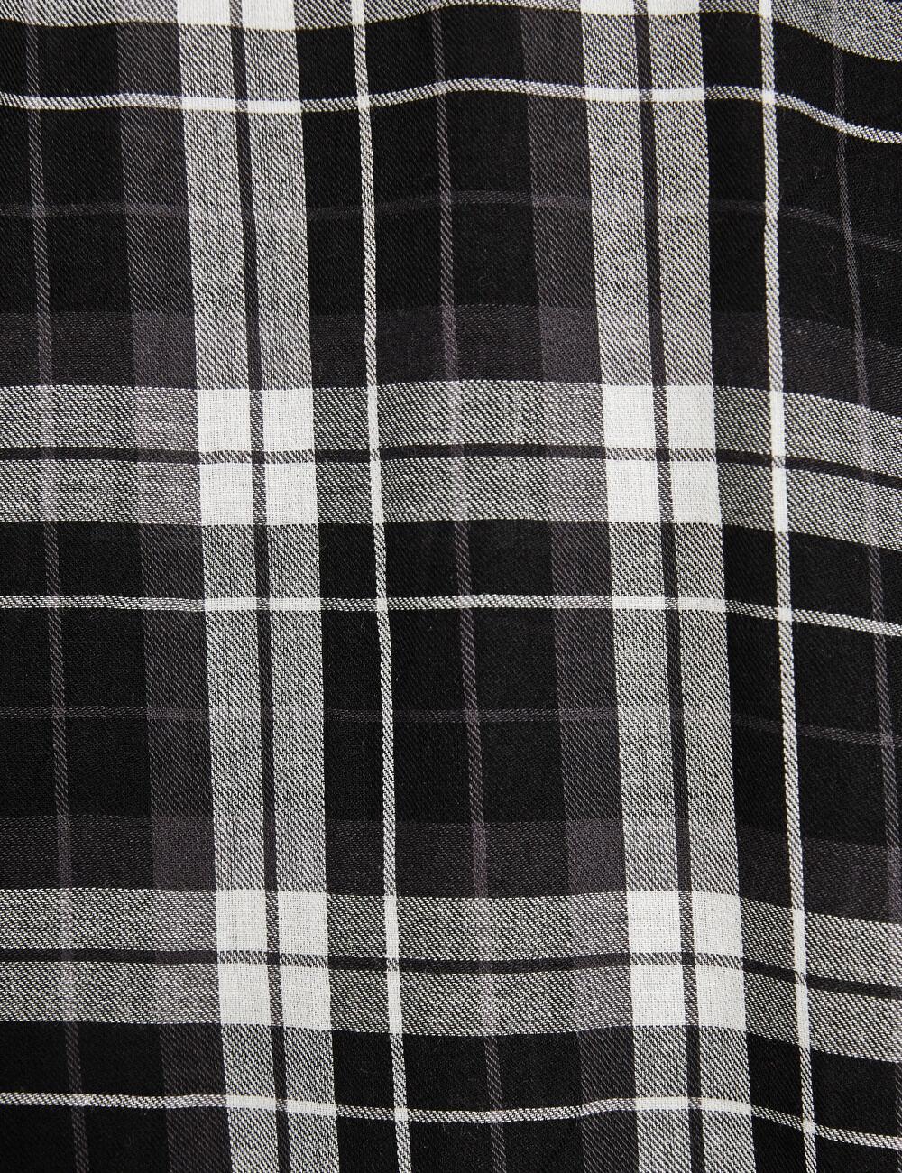 chemise basic carreaux blanc et noir femme jennyfer. Black Bedroom Furniture Sets. Home Design Ideas