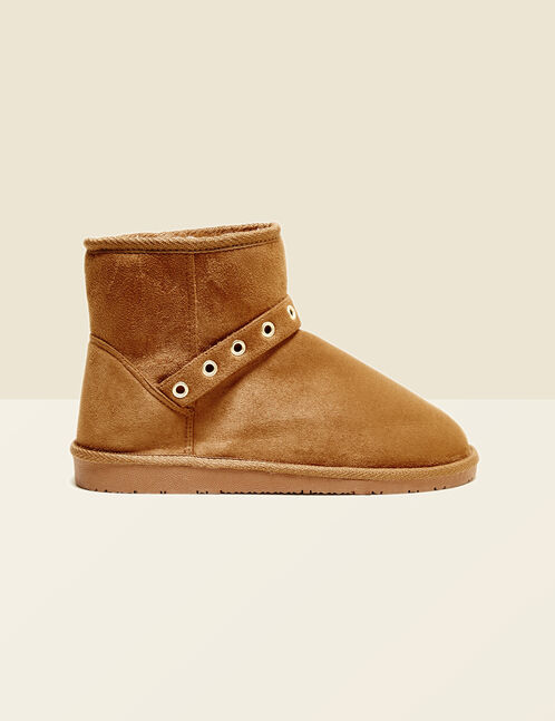 Camel fur boots with eyelets