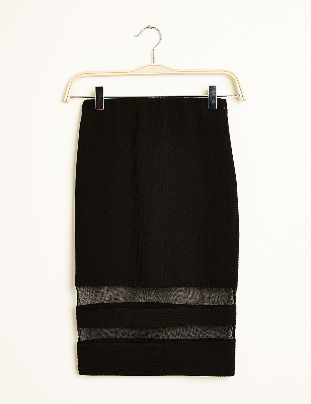 jupe tube midi relief e noire femme jennyfer. Black Bedroom Furniture Sets. Home Design Ideas