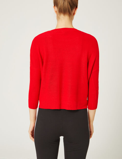 Red jumper with 3/4-length sleeves