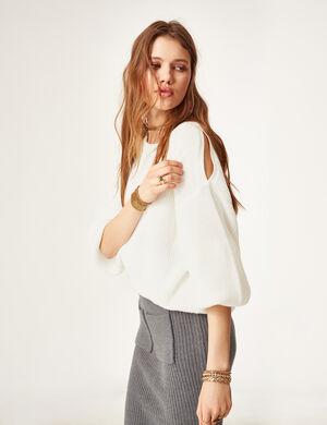 Product Pull femme, écru, épaules ajourées, col rond, manches longues et larges.Marque Jennyfer Catégorie pulls + gilets