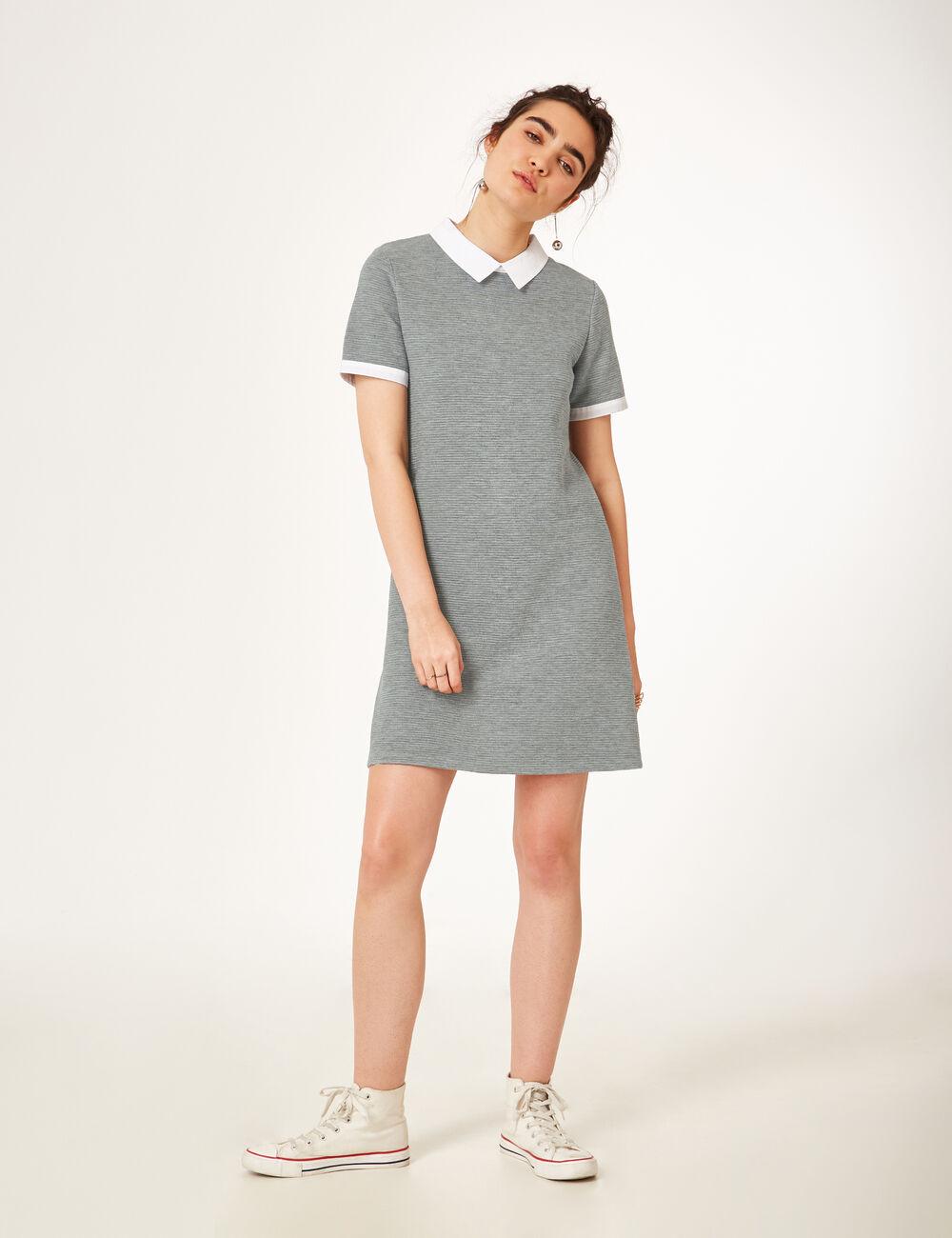 robe avec col blanc gris chin femme jennyfer. Black Bedroom Furniture Sets. Home Design Ideas
