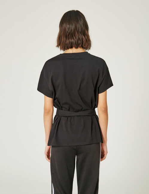 tee-shirt avec ceinture noir