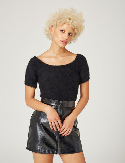 Black short-sleeved jumper