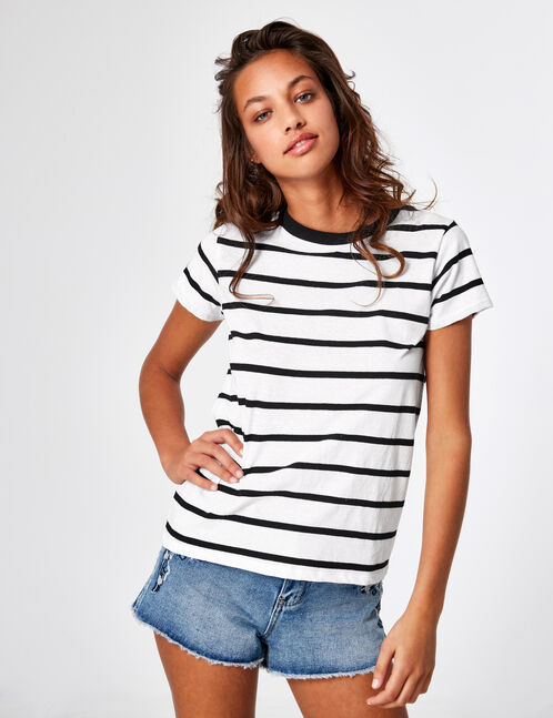Basic white and black striped T-shirt