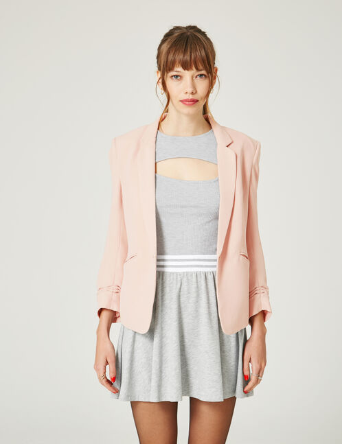 Light pink blazer with 3/4-length sleeves