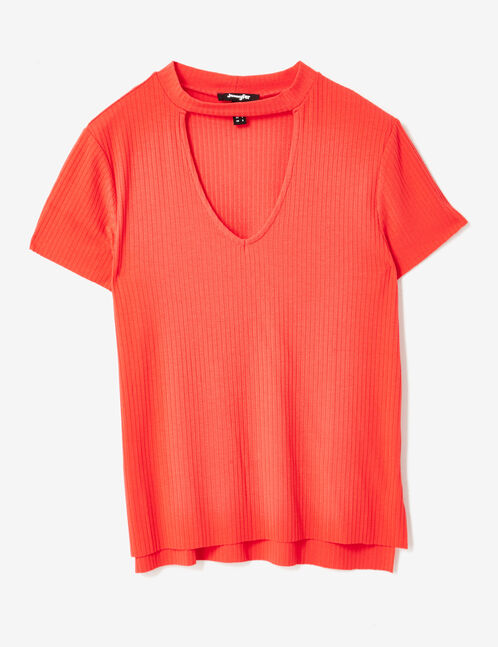Red T-shirt with open detail
