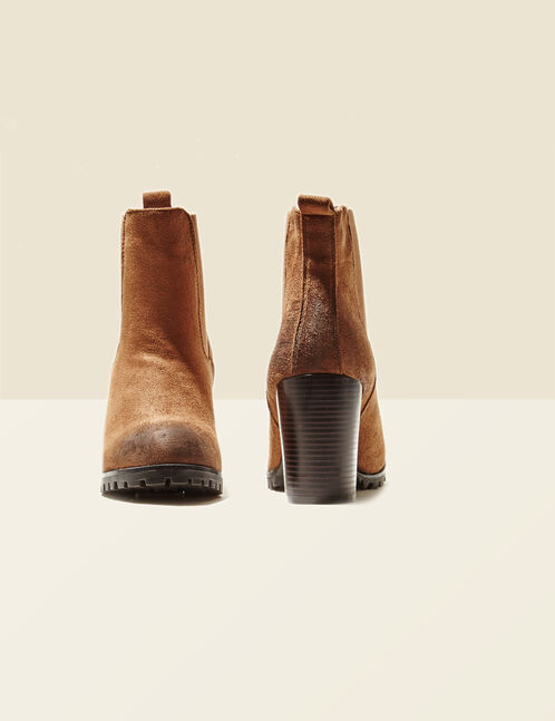 Camel heeled boots