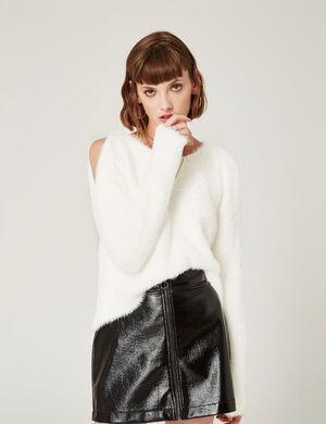 Product Pull femme, écru, effet mohair, épaules ajourées, col rond, manches longues.Marque Jennyfer Catégorie pulls + gilets