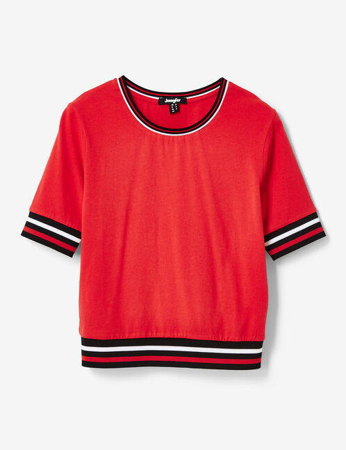 Red T-shirt with stripe detail