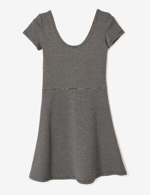 robe rayée évasée noire et blanche