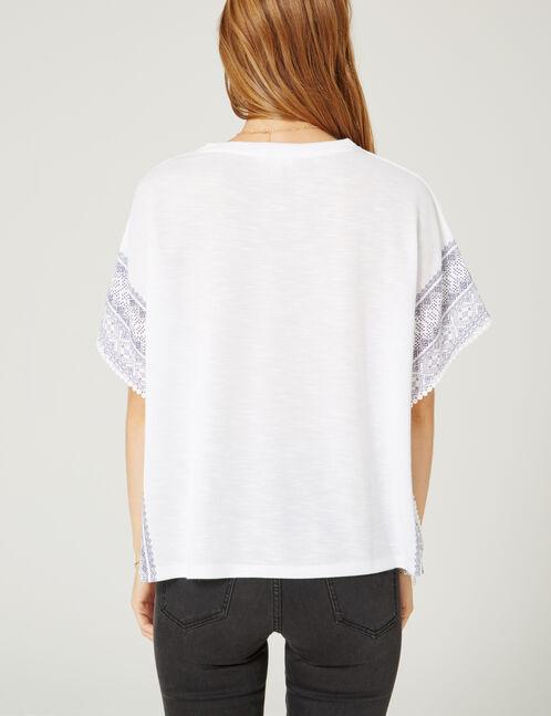 tee-shirt imprimé frise écru et bleu marine