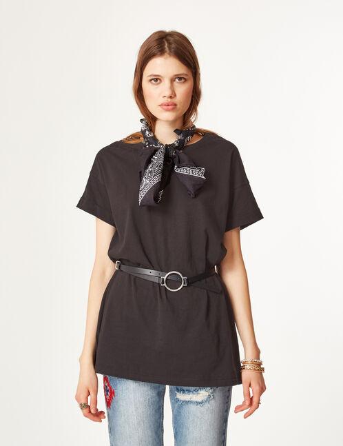 Long black T-shirt