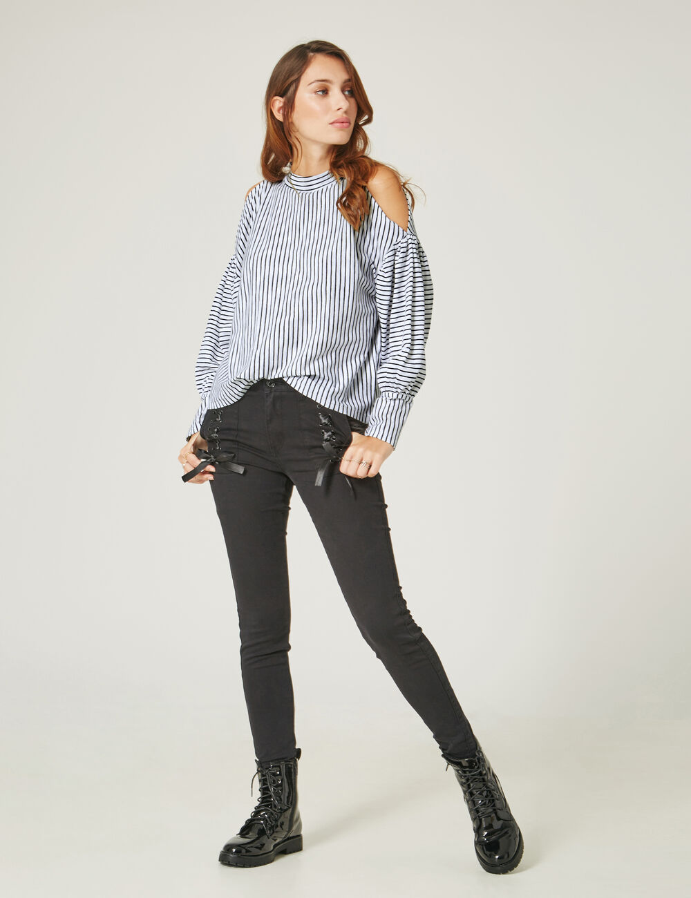short jean avec collant noir site de v tements en jean la mode. Black Bedroom Furniture Sets. Home Design Ideas