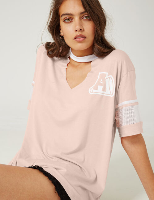 Pale pink and white T-shirt with cut-out detail