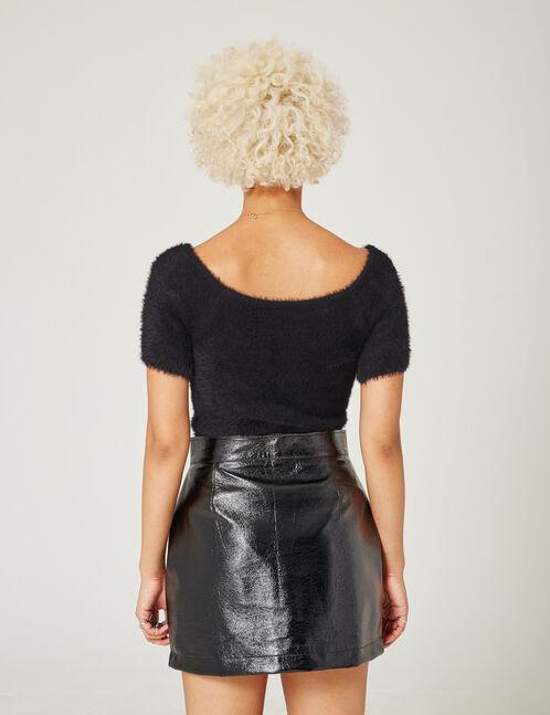 Black short-sleeved jumper