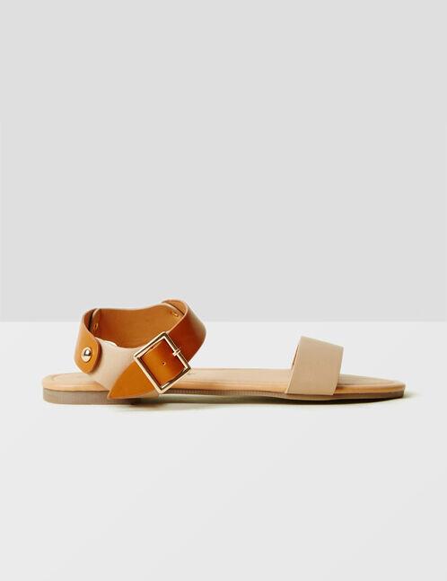 sandales plates bicolores beiges et camel