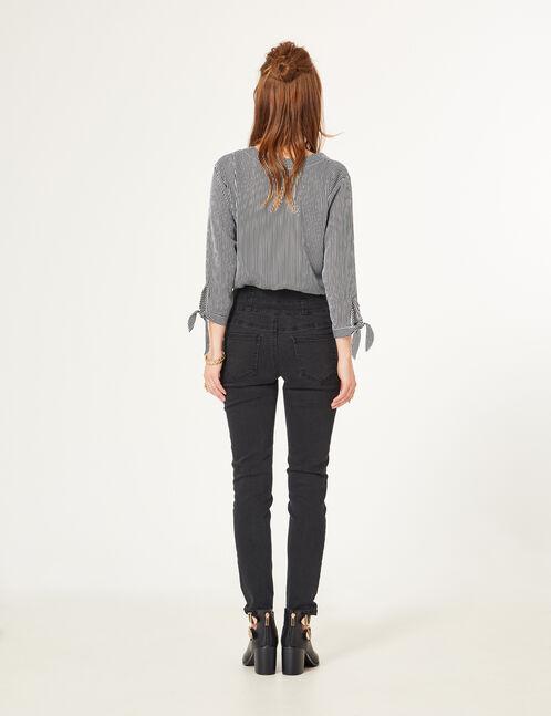 jean avec lacet noir