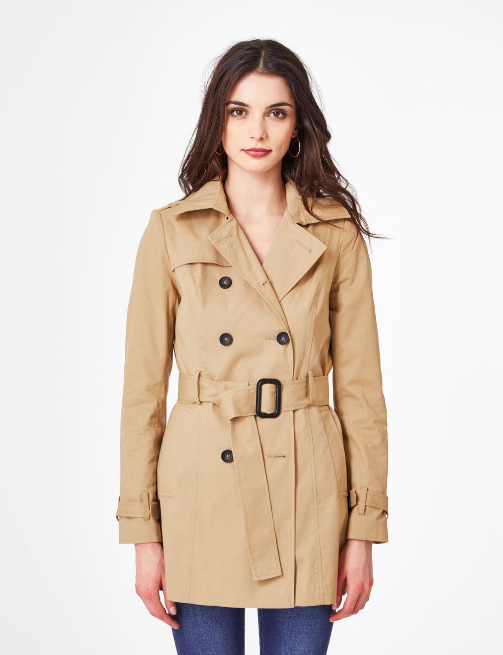 Classique et décontractée à la fois, la veste trench-coat Refined est une pièce pratique et chic pour l'hiver. Entièrement imperméable, cette veste est dotée de coutures soudées et possède une membrane interne pour plus de respirabilité.