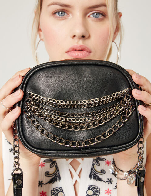Small bag with chain detail
