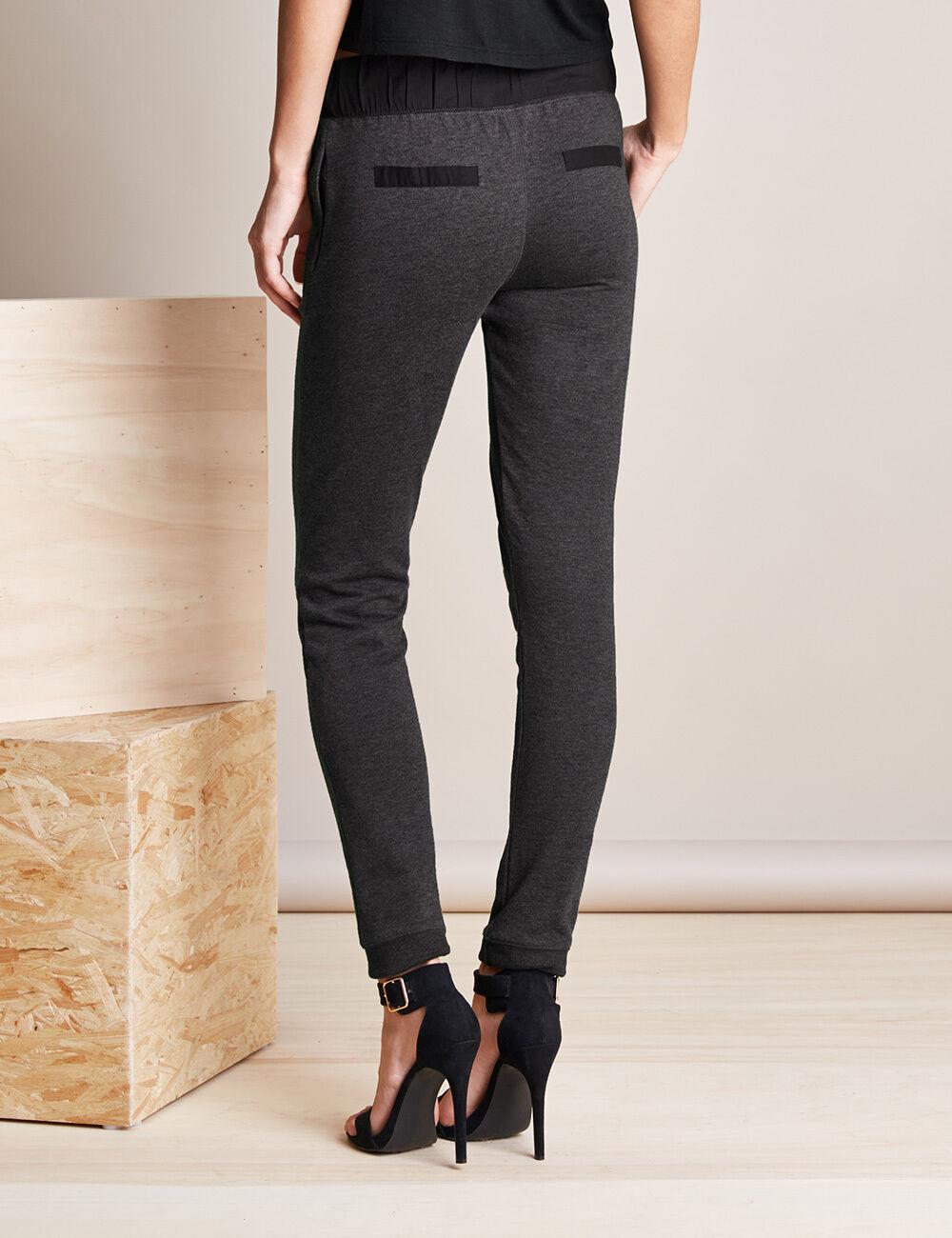 pantalon de jogging gris anthracite et noir femme jennyfer. Black Bedroom Furniture Sets. Home Design Ideas