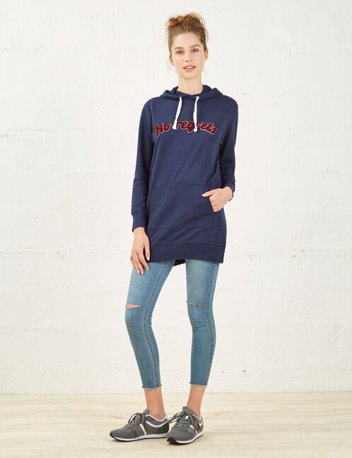 Navy blue long sweatshirt with patch