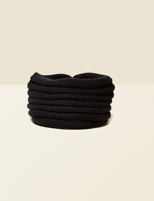 Black headband with rose detail