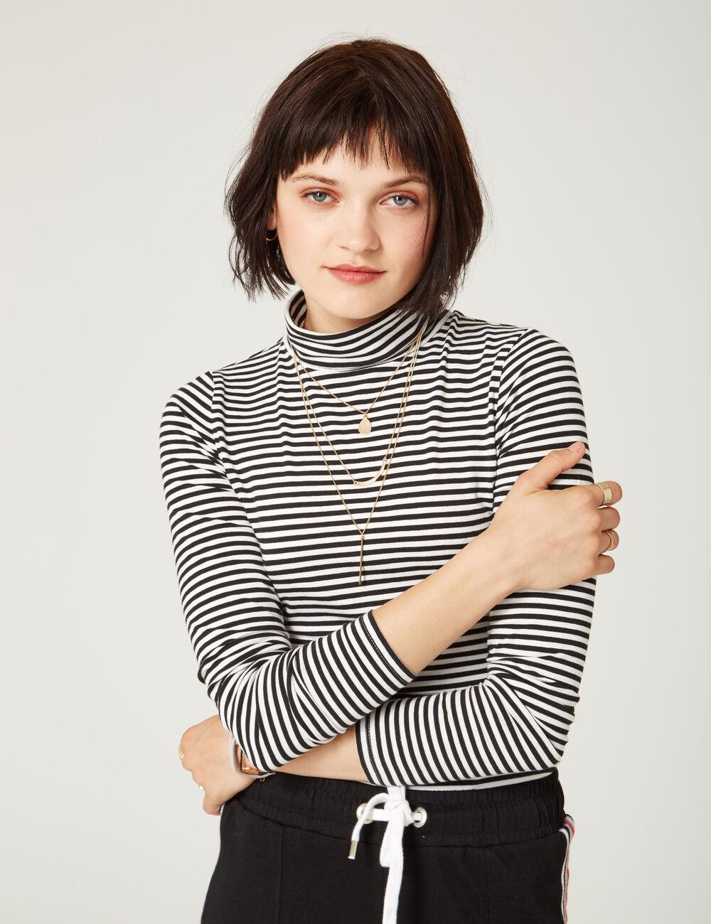 tee shirt basic col roul ray noir et blanc femme jennyfer. Black Bedroom Furniture Sets. Home Design Ideas