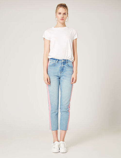 Light blue jeans with pink detail