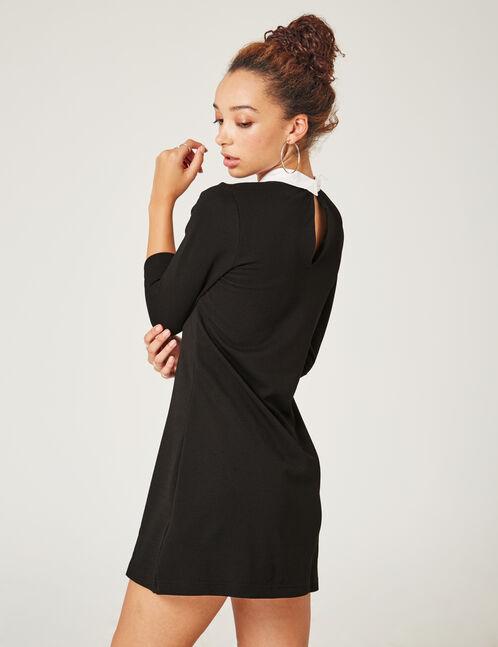 robe brodée avec col blanc noire