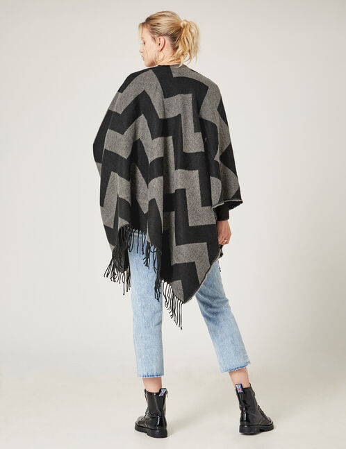 Black and grey zigzag-patterned poncho