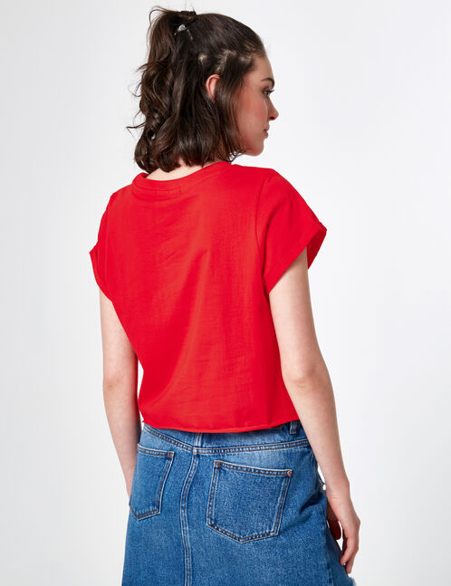 crop top à message rouge