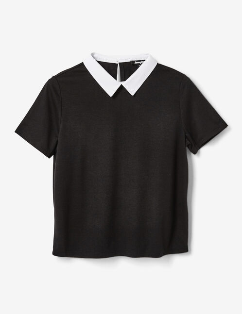 Black T-shirt with white collar detail