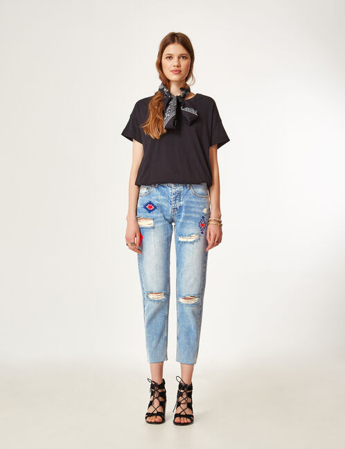 Light blue straight-leg jeans with embroidery detail