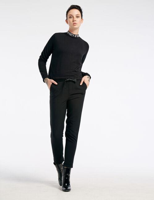 Black sweatshirt with embroidered neckline