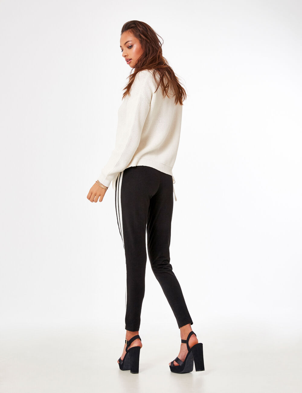 legging avec rayures c t s noir et blanc femme jennyfer. Black Bedroom Furniture Sets. Home Design Ideas
