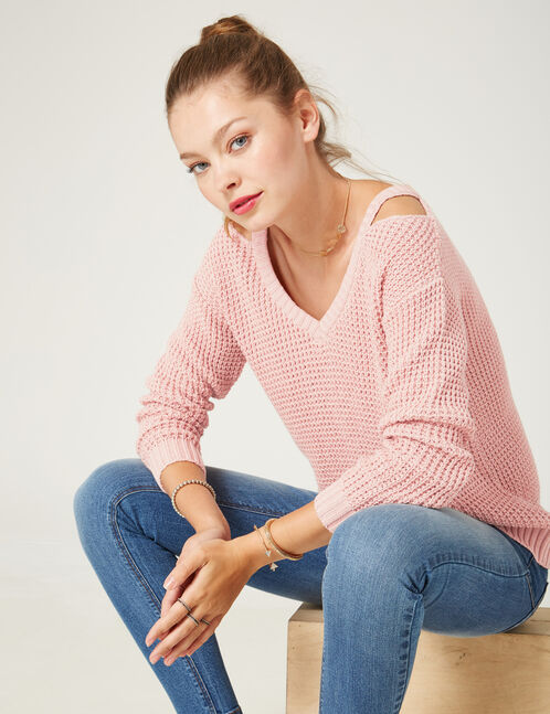 pull ouvertures col rose clair