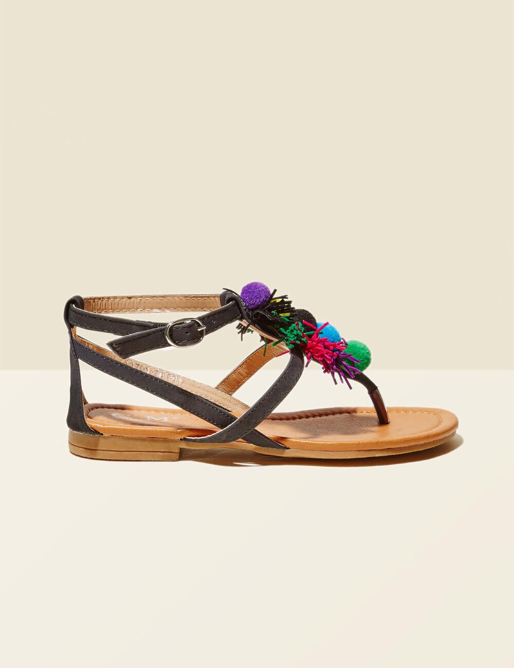 sandales plates avec pompons noires femme jennyfer. Black Bedroom Furniture Sets. Home Design Ideas