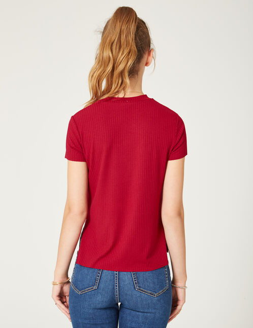 Burgundy T-shirt with heart patch detail