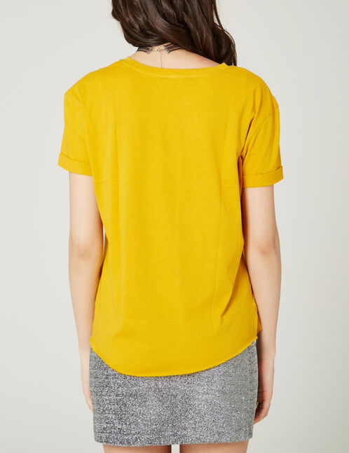 tee-shirt imprimé ocre