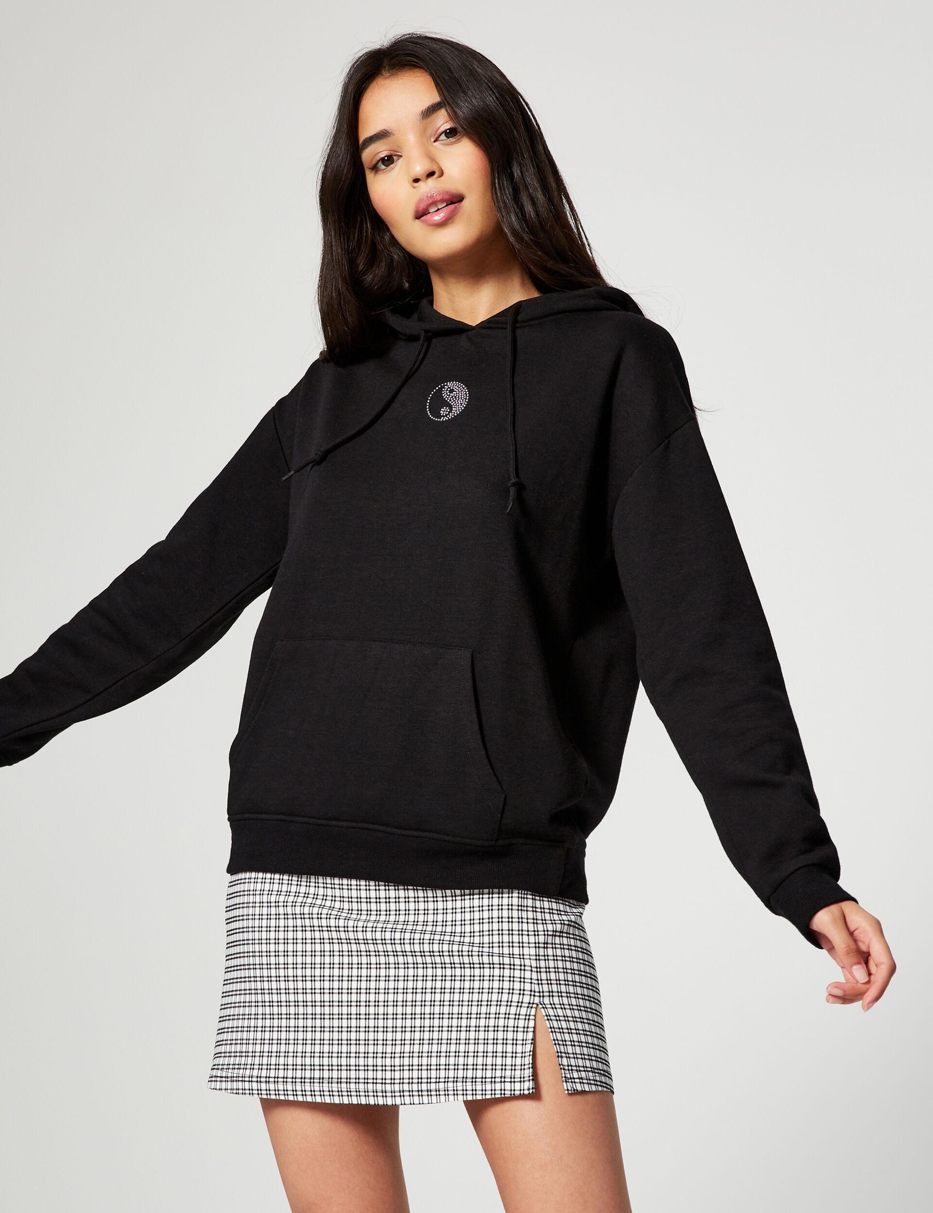 Sweatshirt with crystal motif