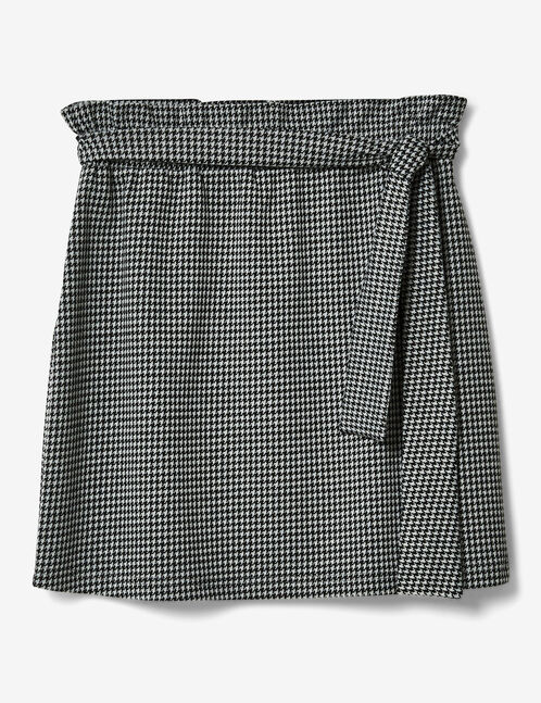 Black and white ruched skirt