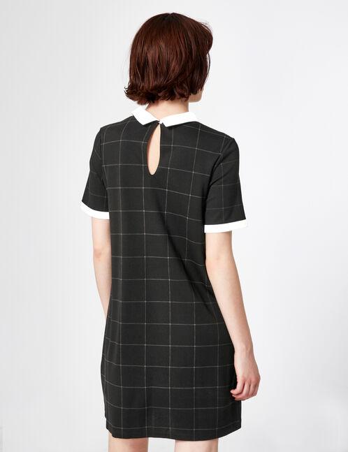 robe à carreaux et col blanc noir