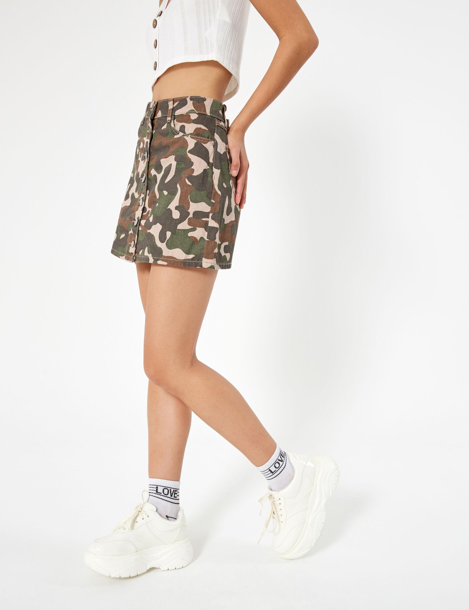 Jupe camouflage boutonnée kaki