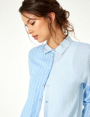 Product Chemise femme, bleu clair et blanc, double rayures, patte de boutonnage, bascule, fentes côtés, manches 3/4.  Photos retouchéesMarque Jennyfer Catégorie chemises + blouses