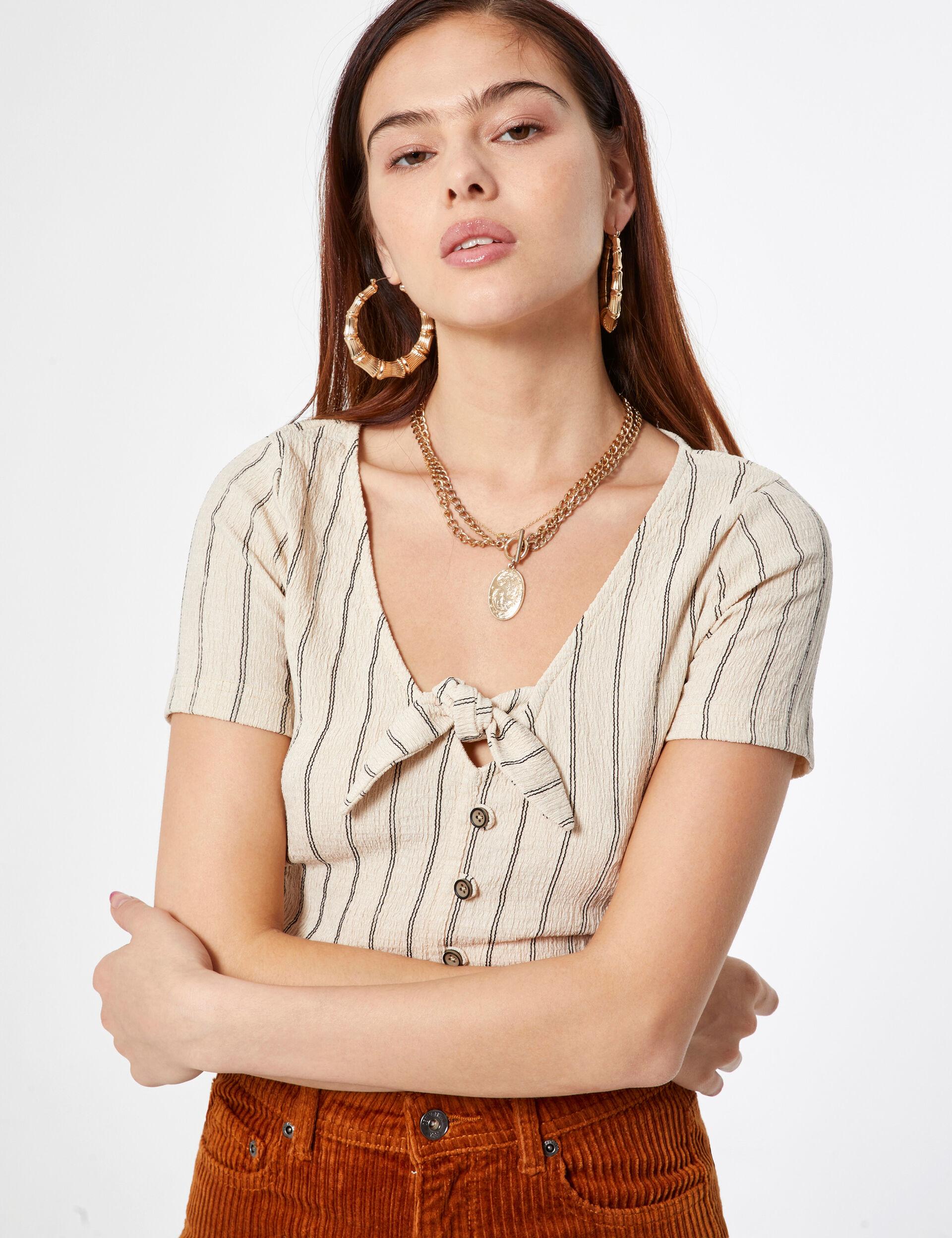 Striped tie-fastening t-shirt