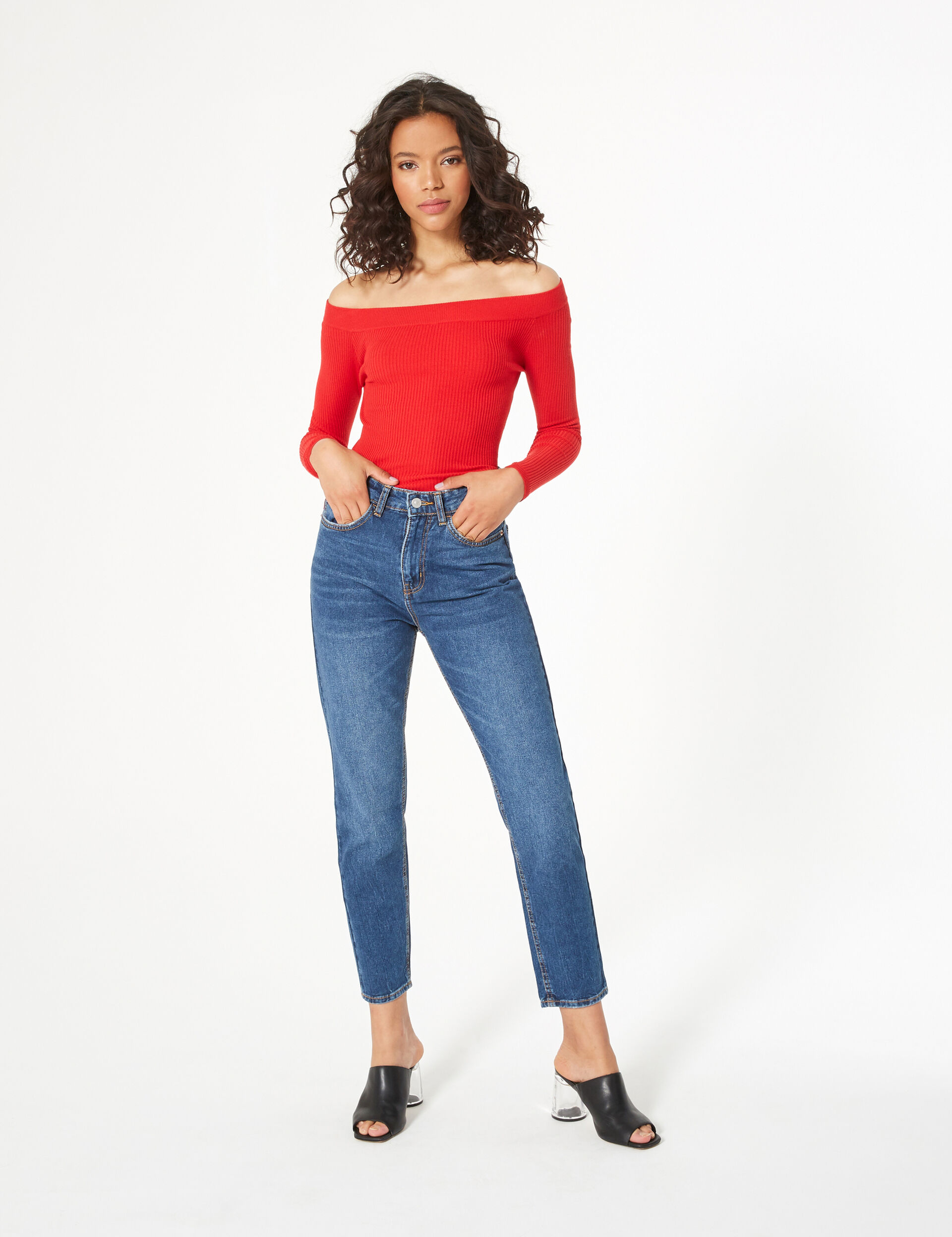 Red boat neck jumper