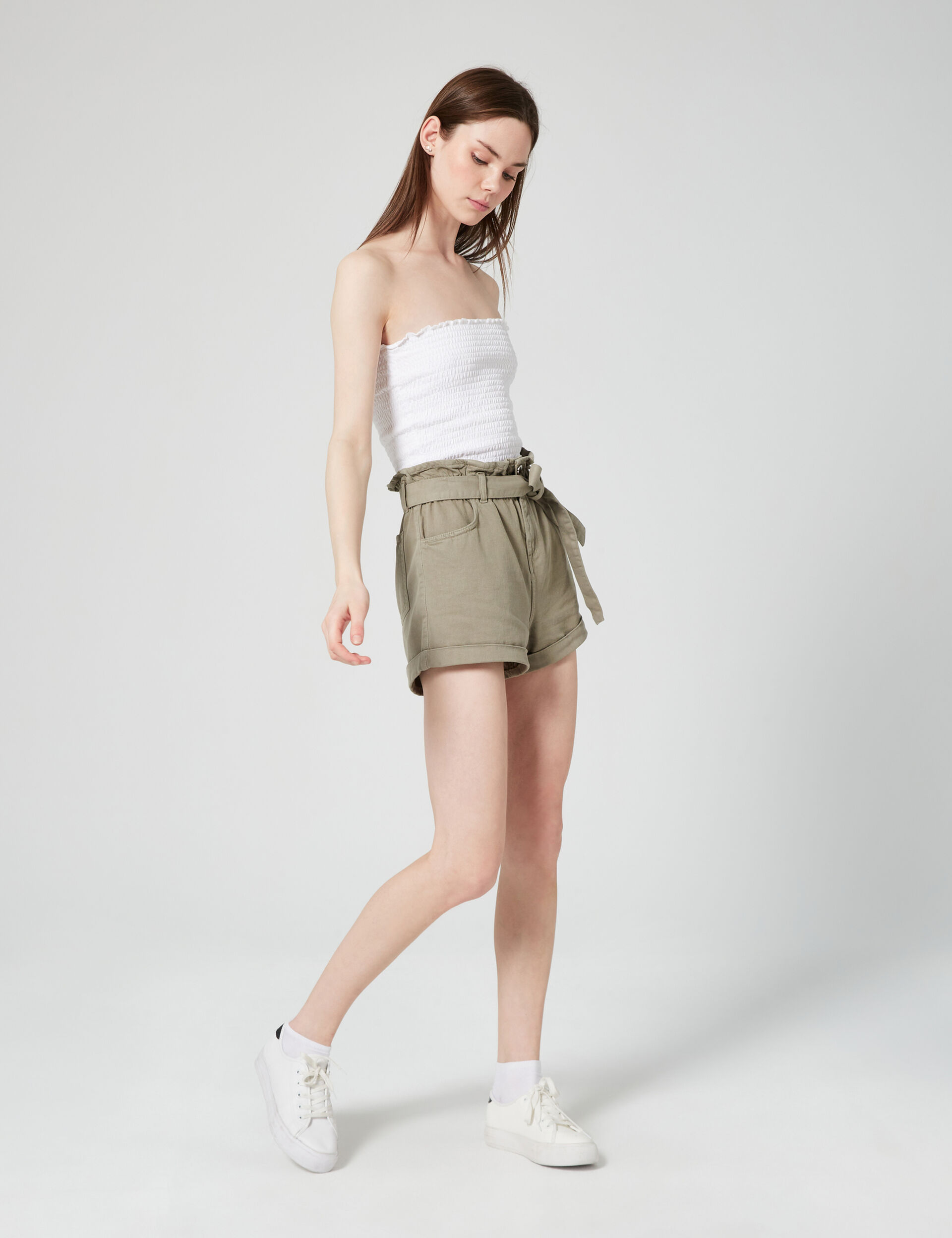 Short taille hauteavec ceinture