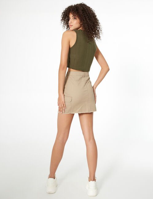 Beige skirt with pockets